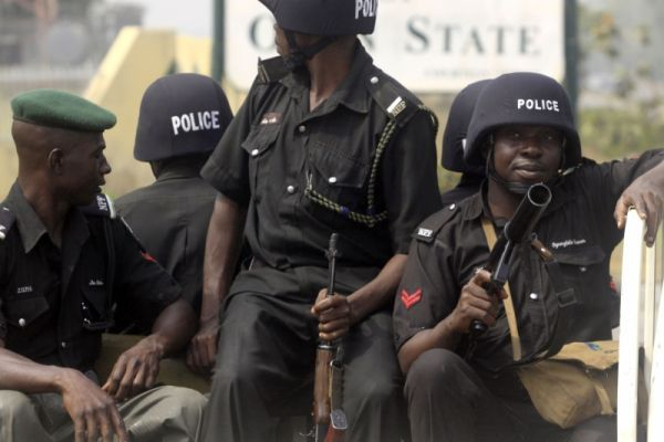 Police parade 16 suspects, recover 10 guns, other items in oyo