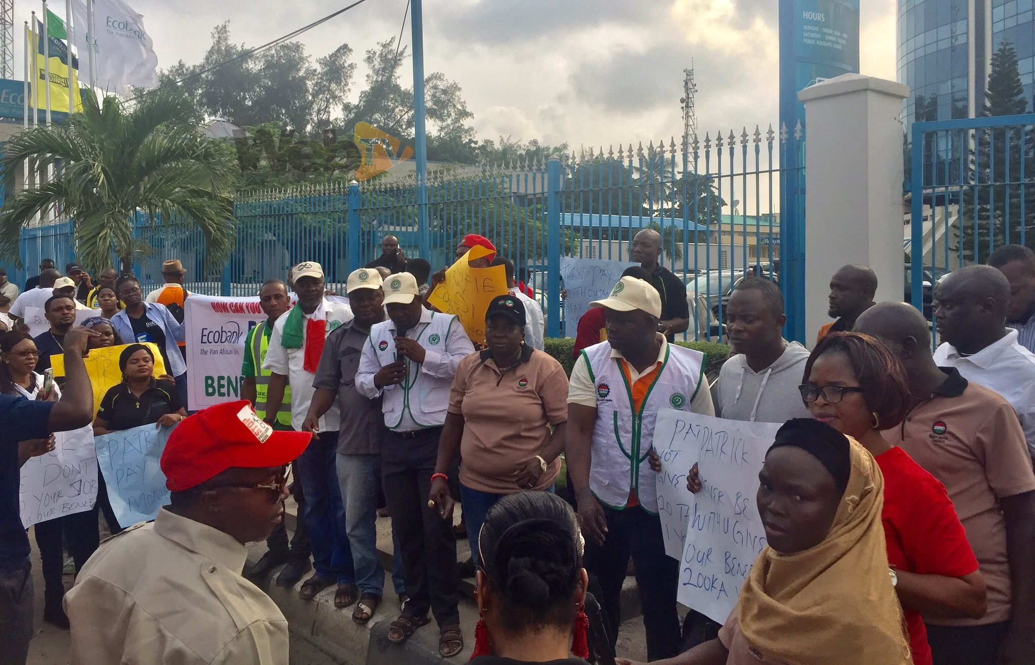 Organised labour pickets Ecobank over sack of 1000 workers