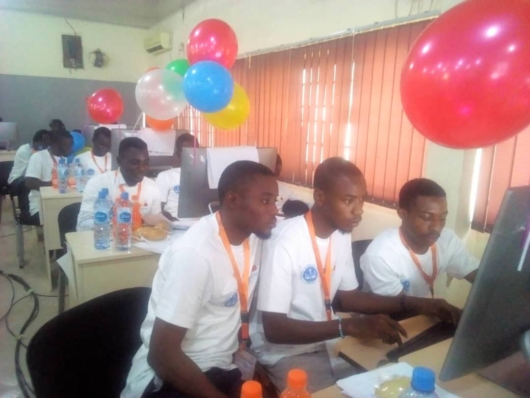 Bowen emerges overall winner in computer programming contest