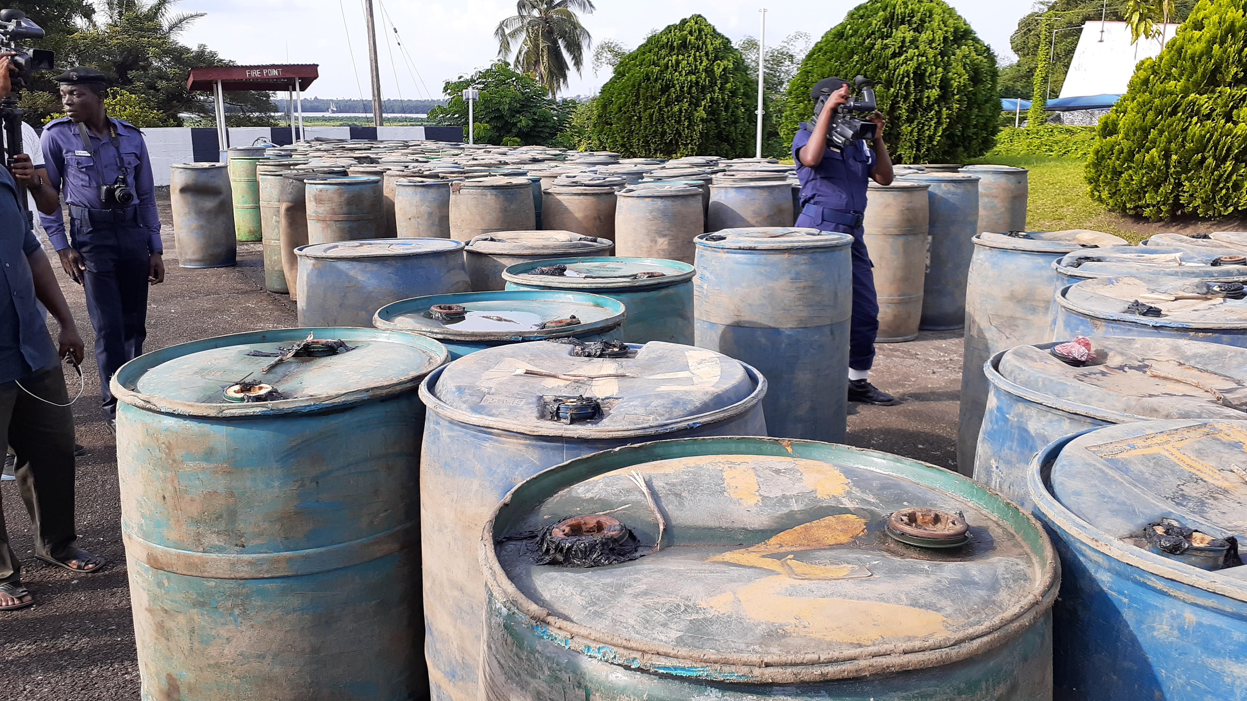 Calabar: Navy arrests 6 suspects, impounds 299 drums of diesel