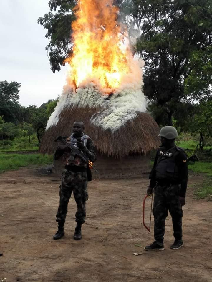 Soldiers destroy militia stronghold in Benue, kill 2, make arrests in Nasarawa