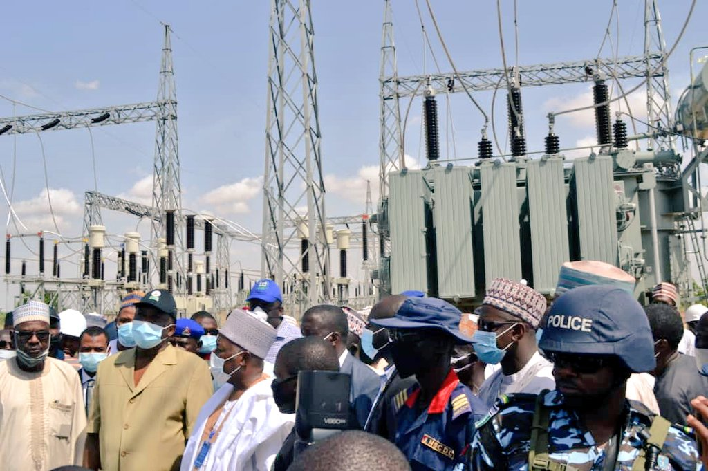 Minister directs power contractors back to sites