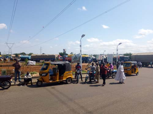 Breaking: Heavy truck drivers mount roadblock to protest extortion by task-force in Gombe - Daily Sun